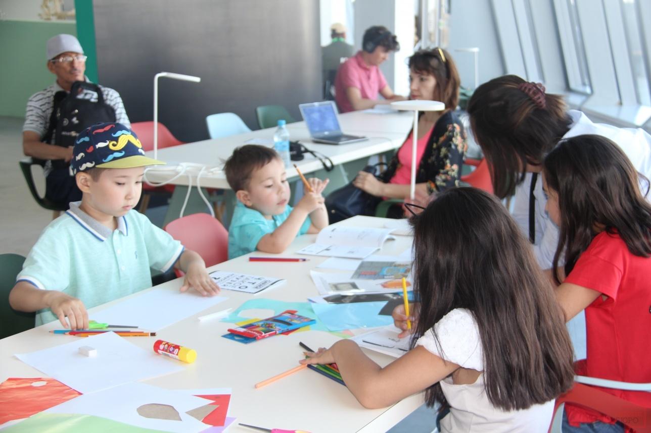 Занятия с детьми в арт-центре ЭКСПО-2017