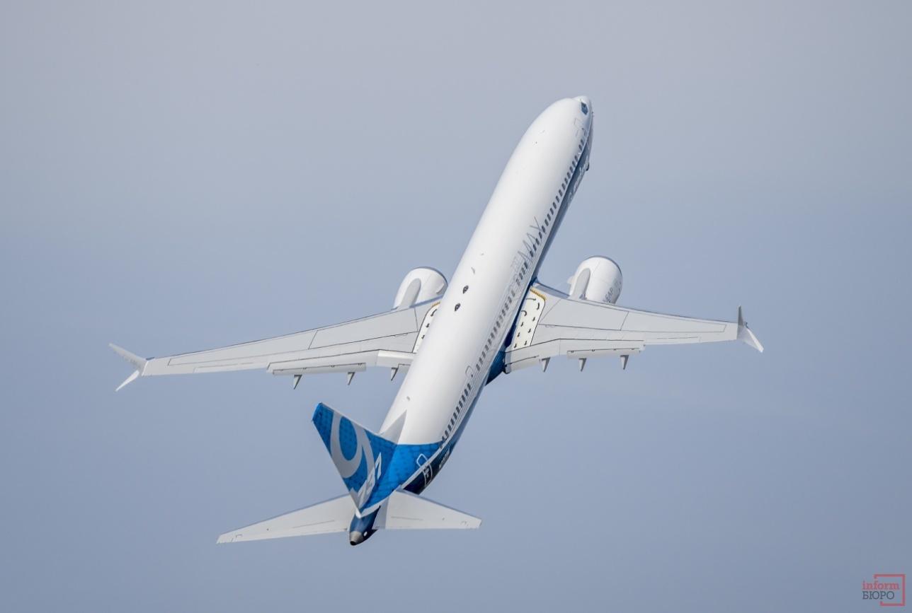 Взлёт Boeing-737 MAX