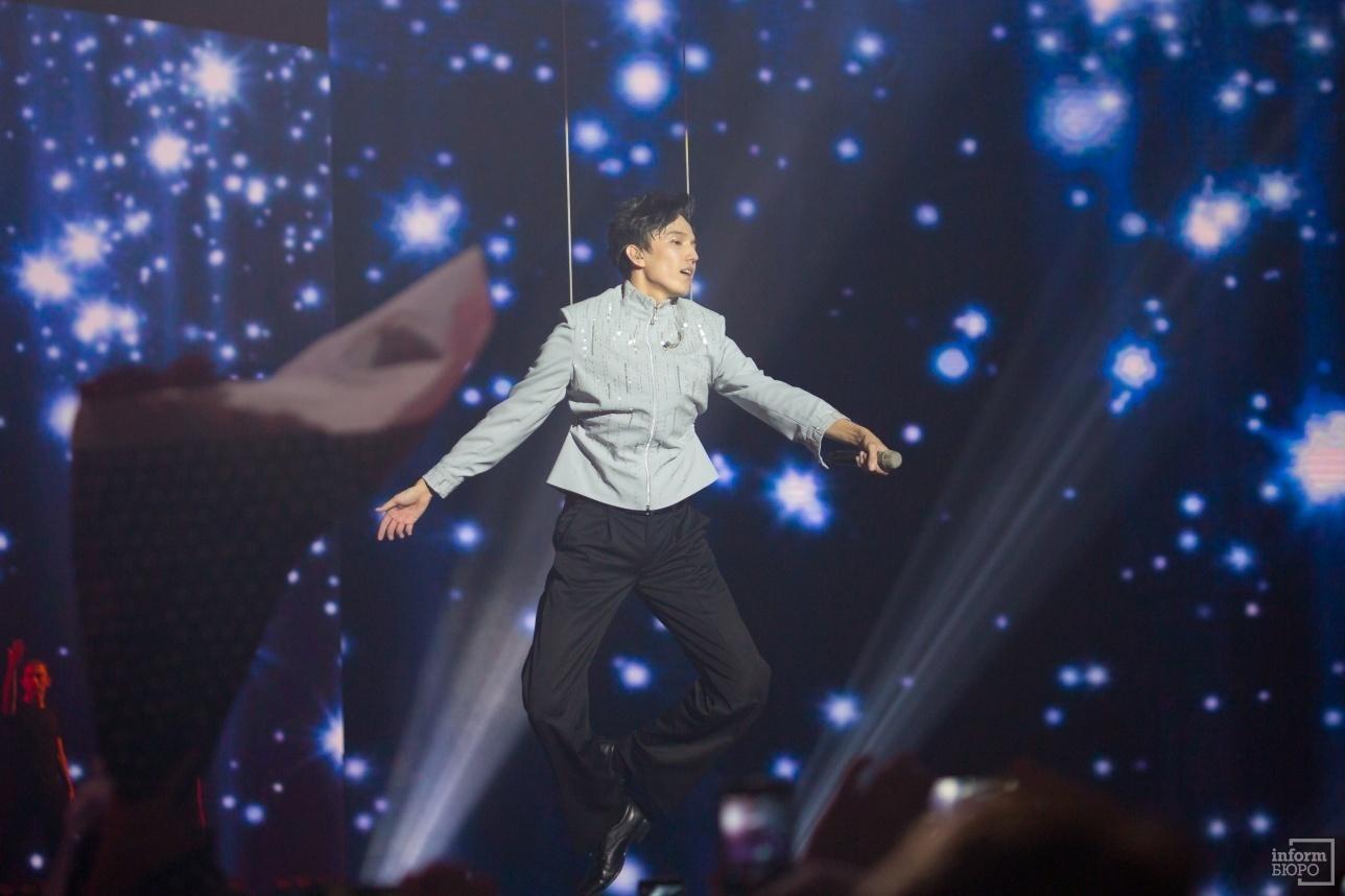 Димаш Кудайберген взлетел на собственном концерте