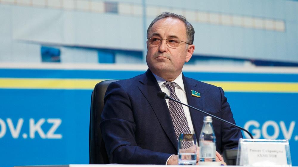 Новый член Счётного комитета от Сената Рашит Ахметов