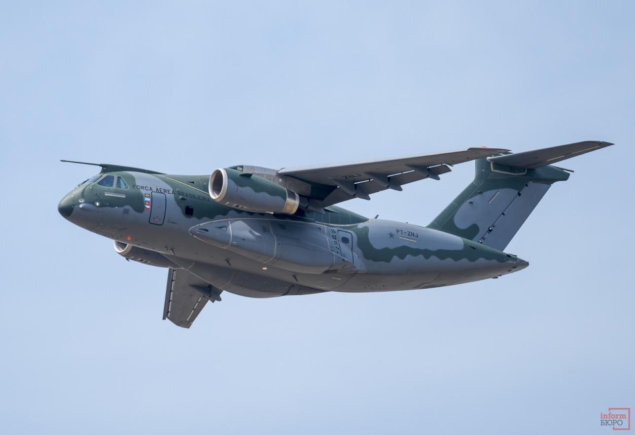 Демонстрационный полет KC 390