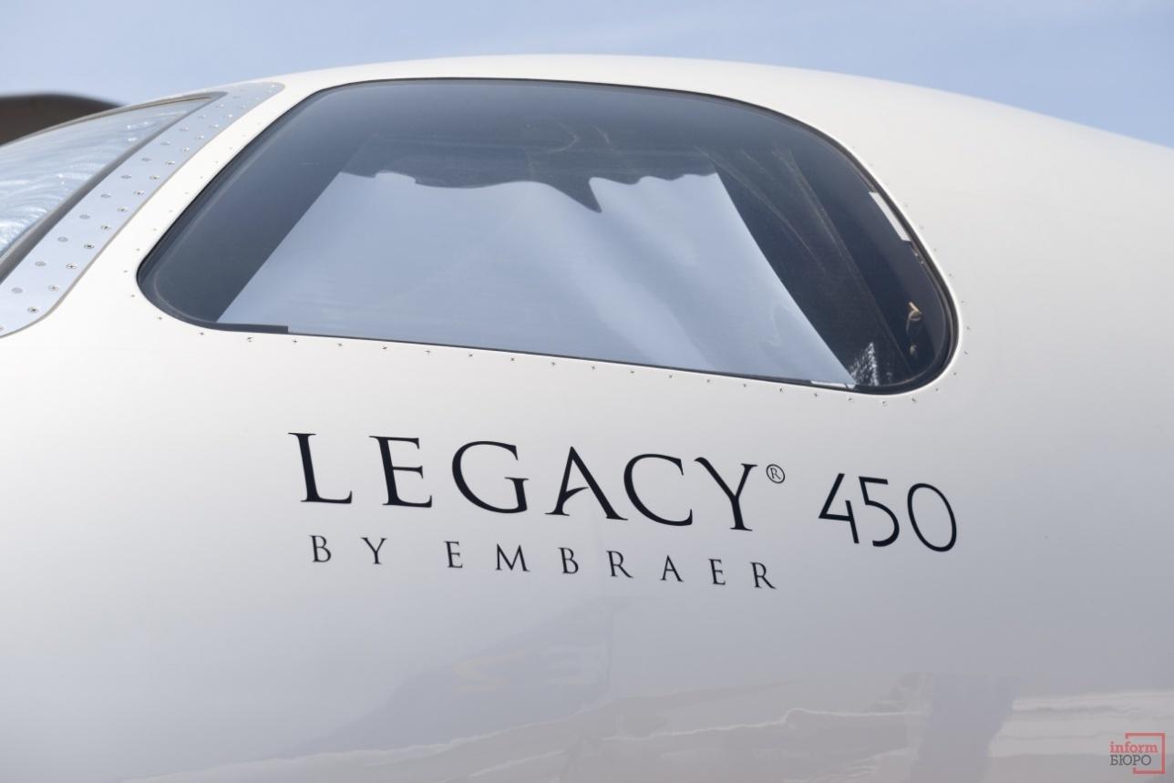 Внешний вид пилотской кабины Legacy 450