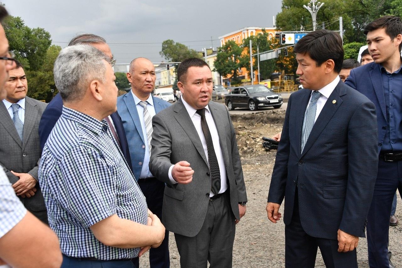 Байбек инспектирует ход реконструкции улиц