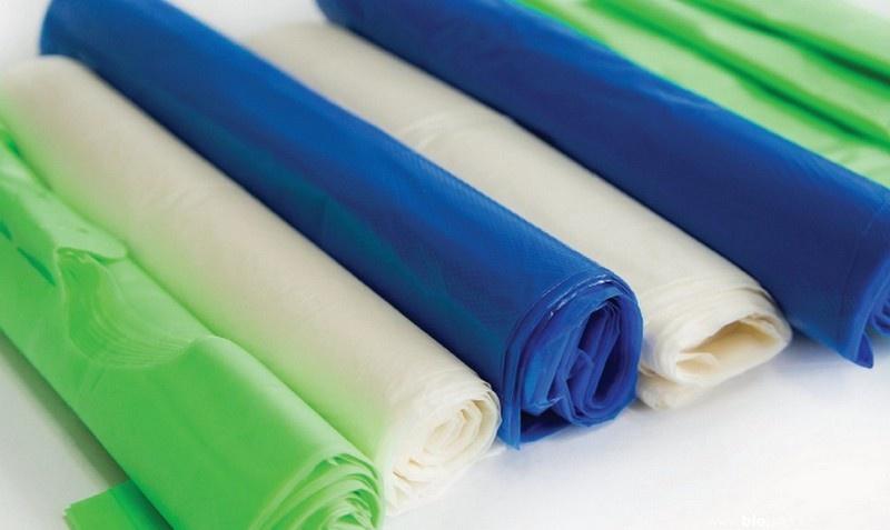 Биоразлагаемые пакеты есть разных цветов и размеров