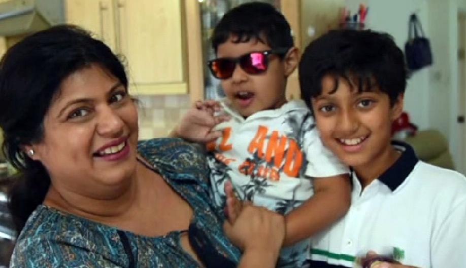 Арнав Шарма с родными