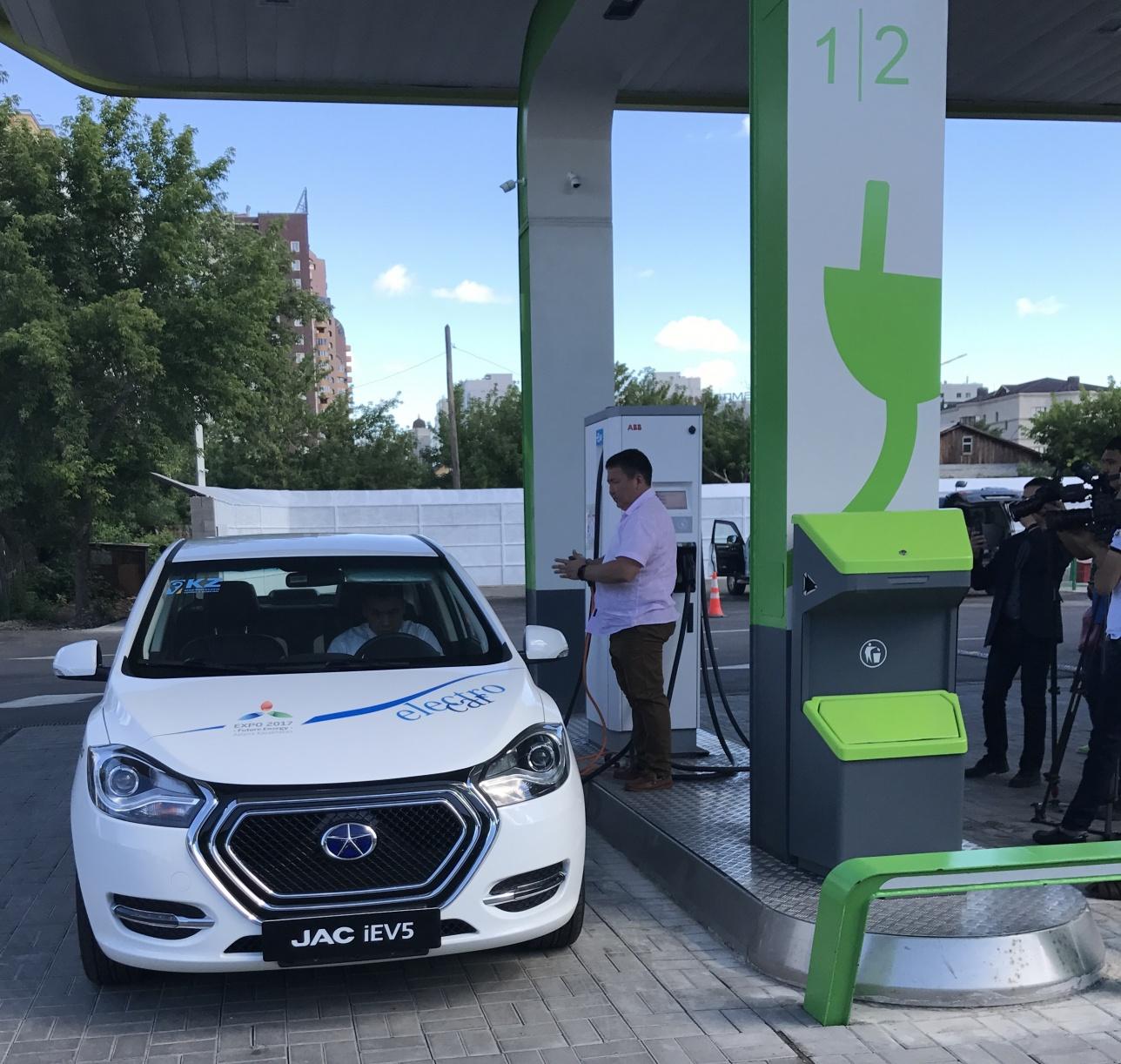 Первая станция для зарядки электромобилей появилась в Астане