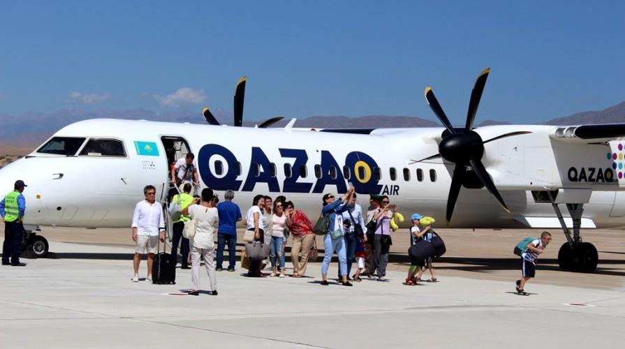 На борту самолёта находилось 76 пассажиров