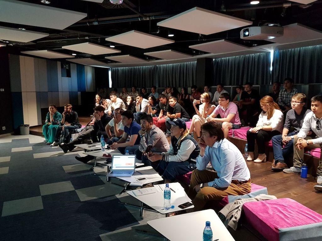 Фото с конкурса Seedstars World в Астане