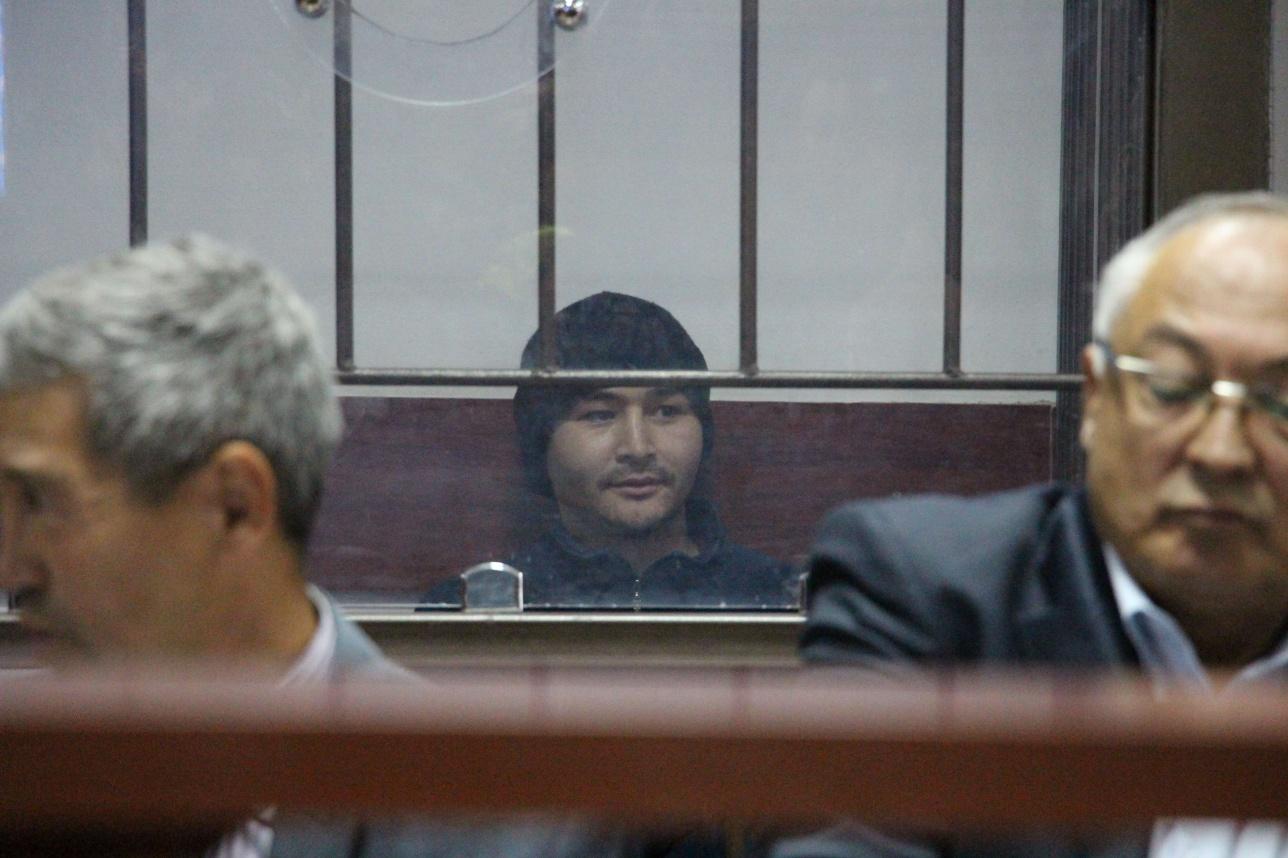 Террорист Руслан Кулекбаев в зале суда
