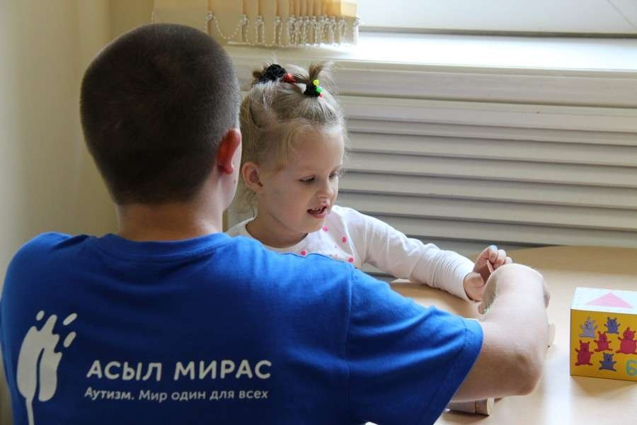 Ангелина любит заниматься с педагогом Юрием