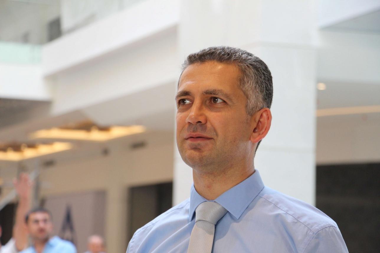 Директор по аренде Джан Йылдыз