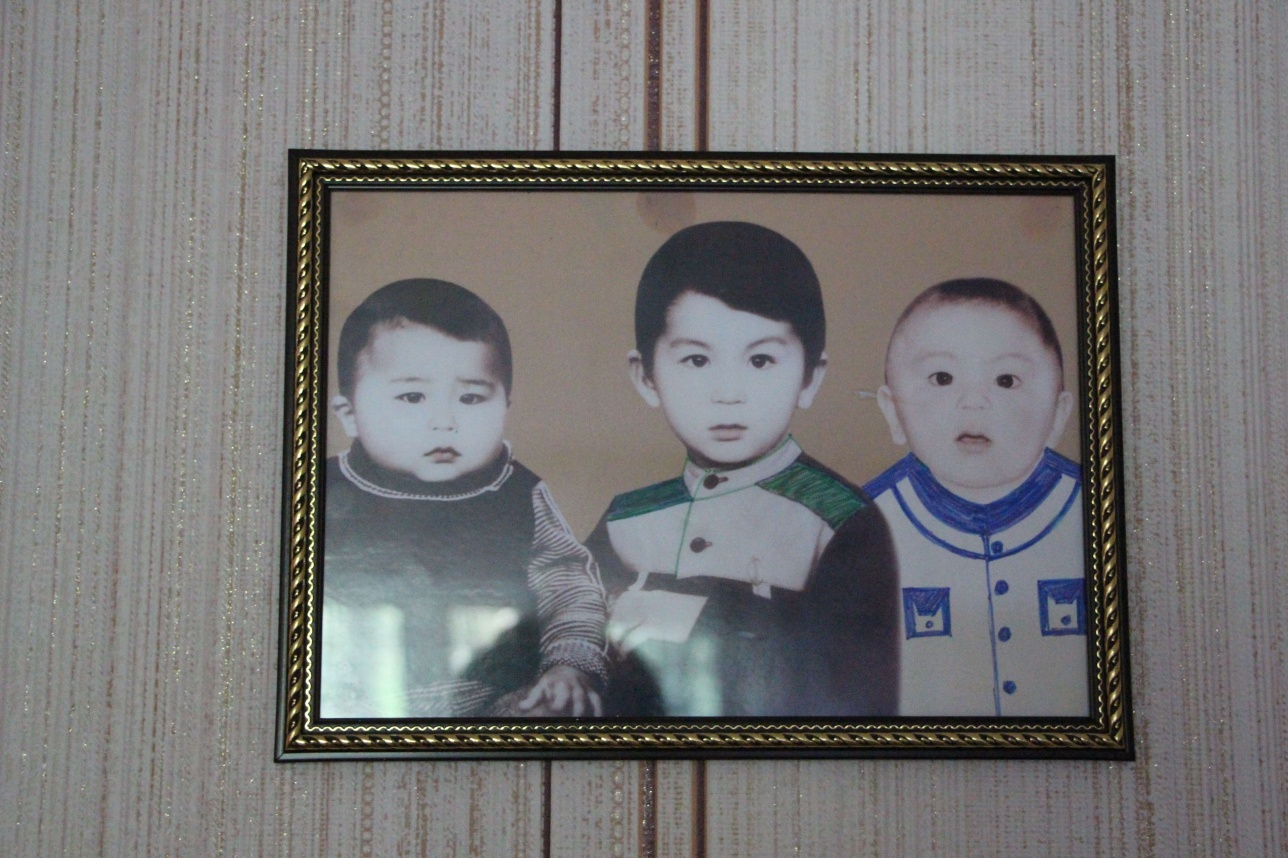 У Омирбека осталось трое сыновей