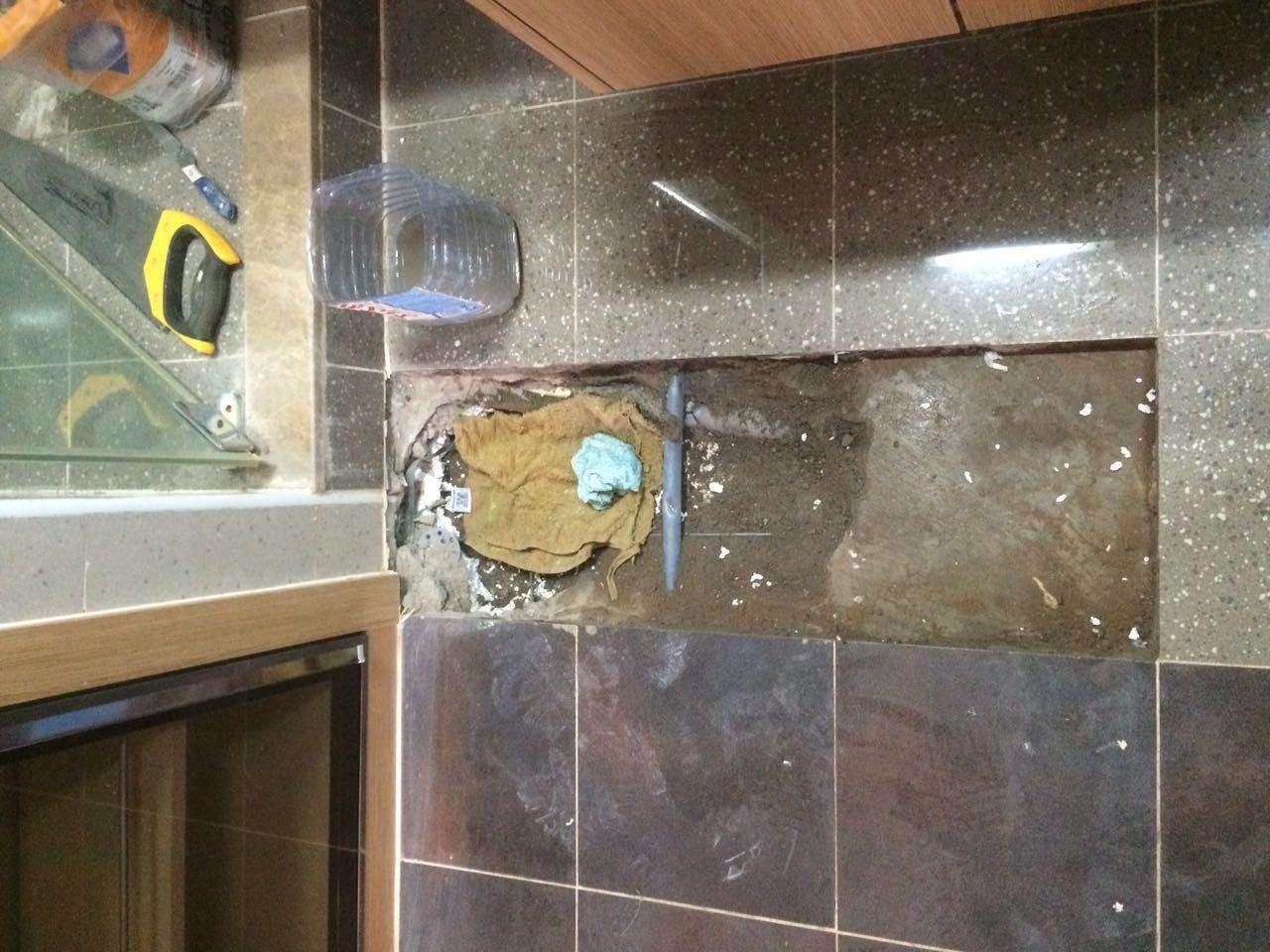 Квартира в элитном ЖК Астаны находится в плачевном состоянии из-за потопа
