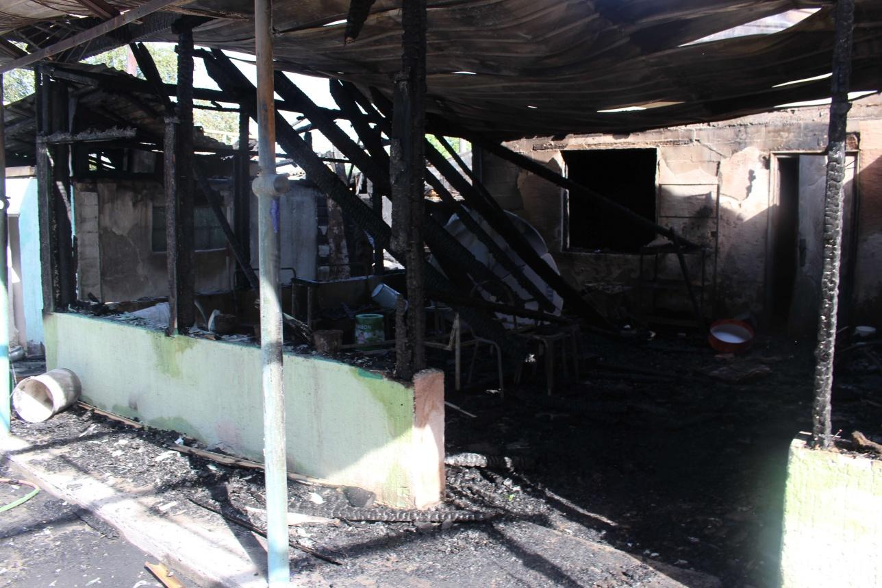 Cгоревший дом возле мебельного цеха