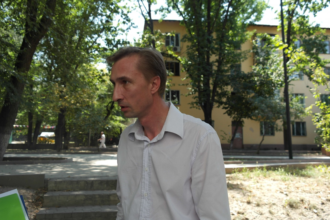Брат -близнец покойного Евгения Виталий Молибогин