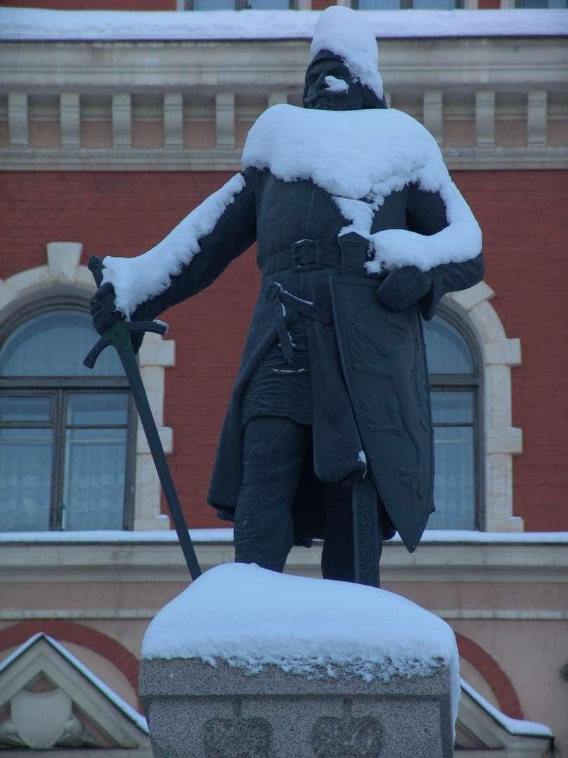 Памятник рыцарю Кнутссону в Выборге