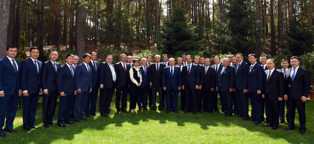 Все первые лица страны собрались на совещании в Бурабае