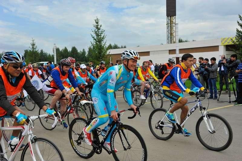 """Велопробег в 2013 году не имел официального названия. Тогда благотворительное мероприятие называлось """"Дыши, малыш!"""""""