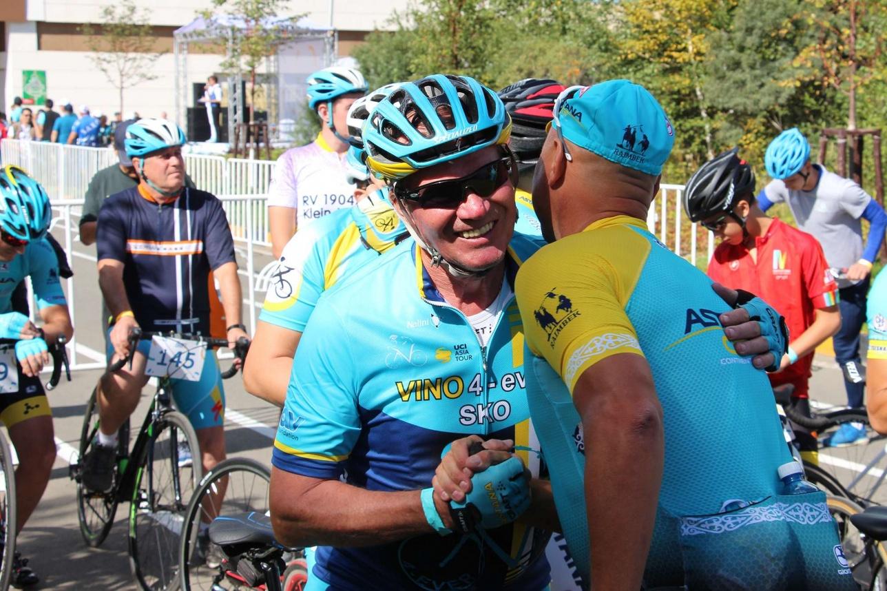 Большинство гостей уже не впервые встречаются на благотворительном велопробеге