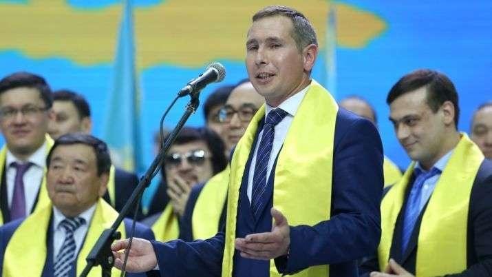 "Геннадий Шиповских ""Нұр Отан"" партиясының сьездінде"