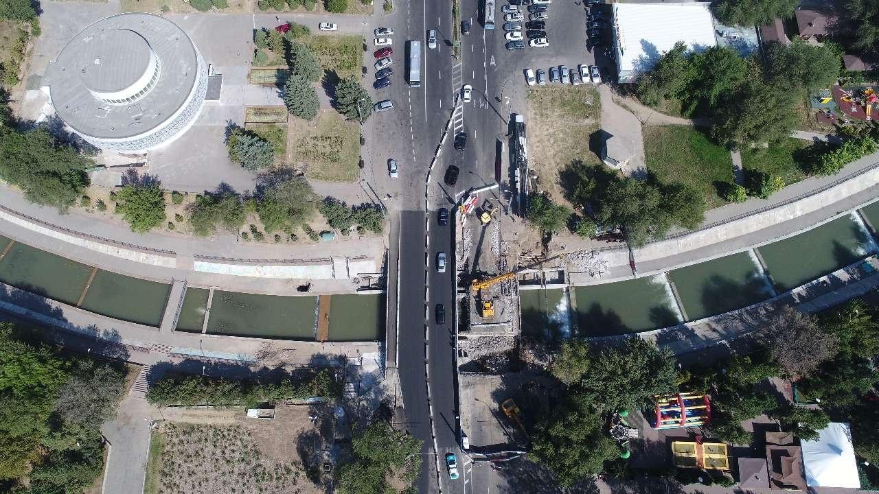 Мост через реку Есентай строят в Алматы
