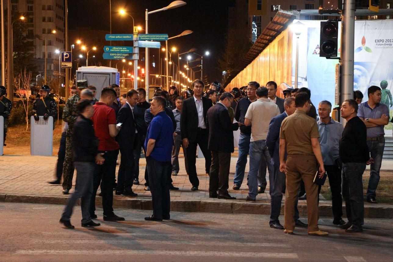 Асет Исекешев во время общественных беспорядков находился в самом неспокойном районе Астаны