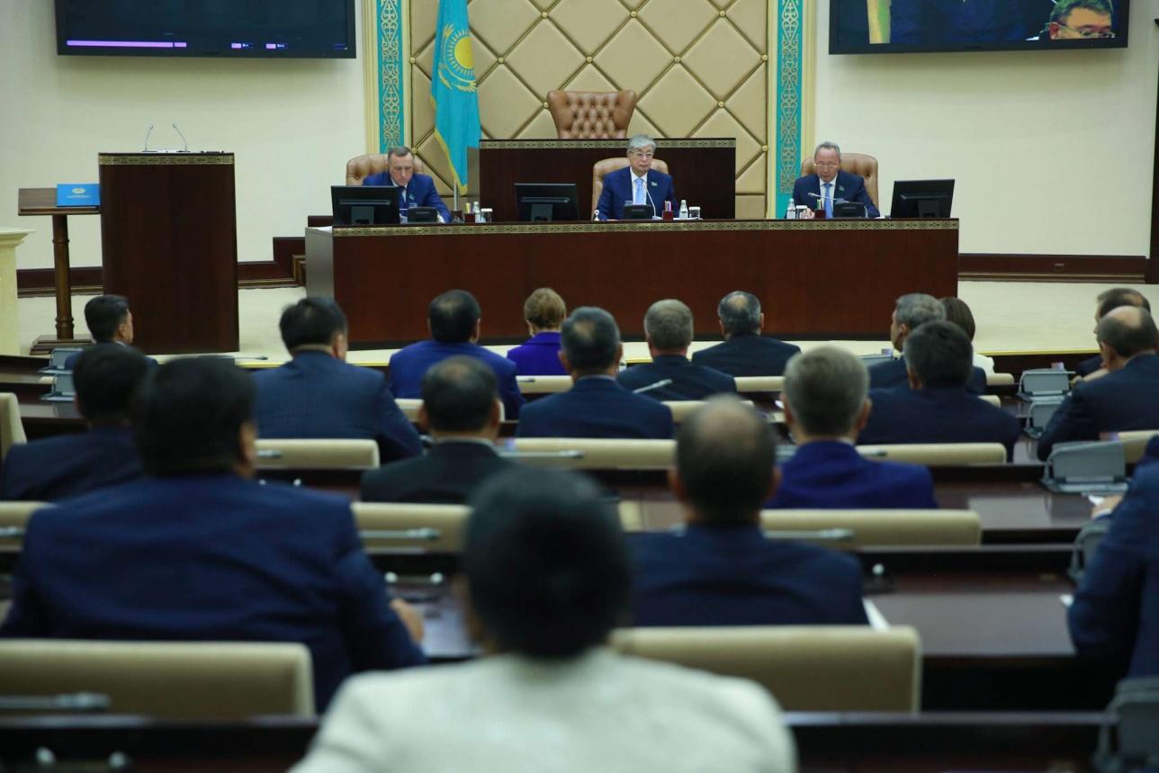 В Сенате Парламента избрали председателей и членов постоянных комитетов