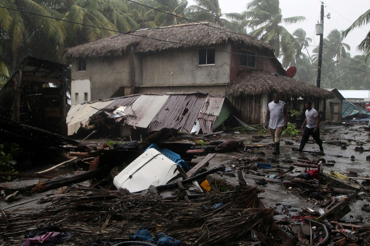 Ураган движется на Флориду