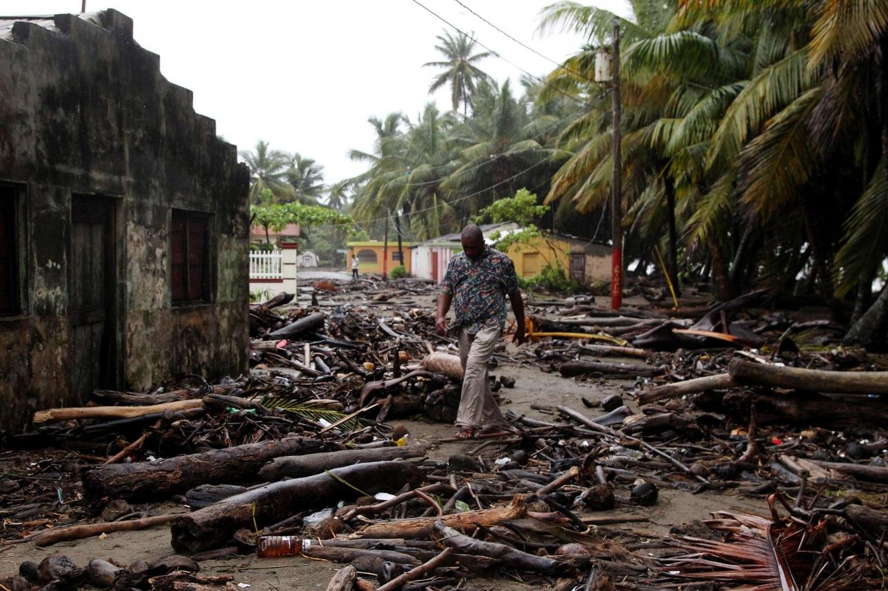 95% зданий на острове разрушено