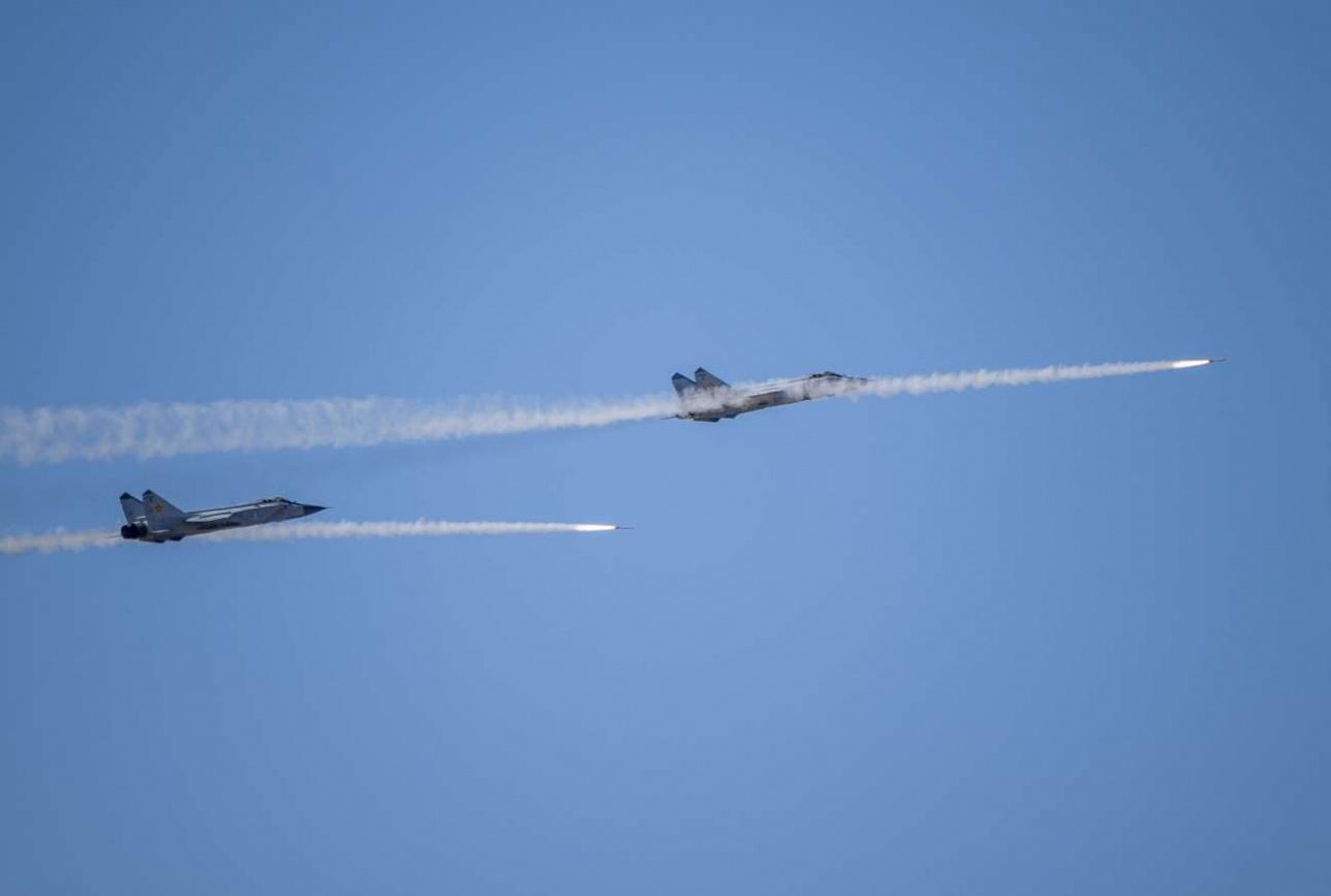 Работа пары МиГ-31