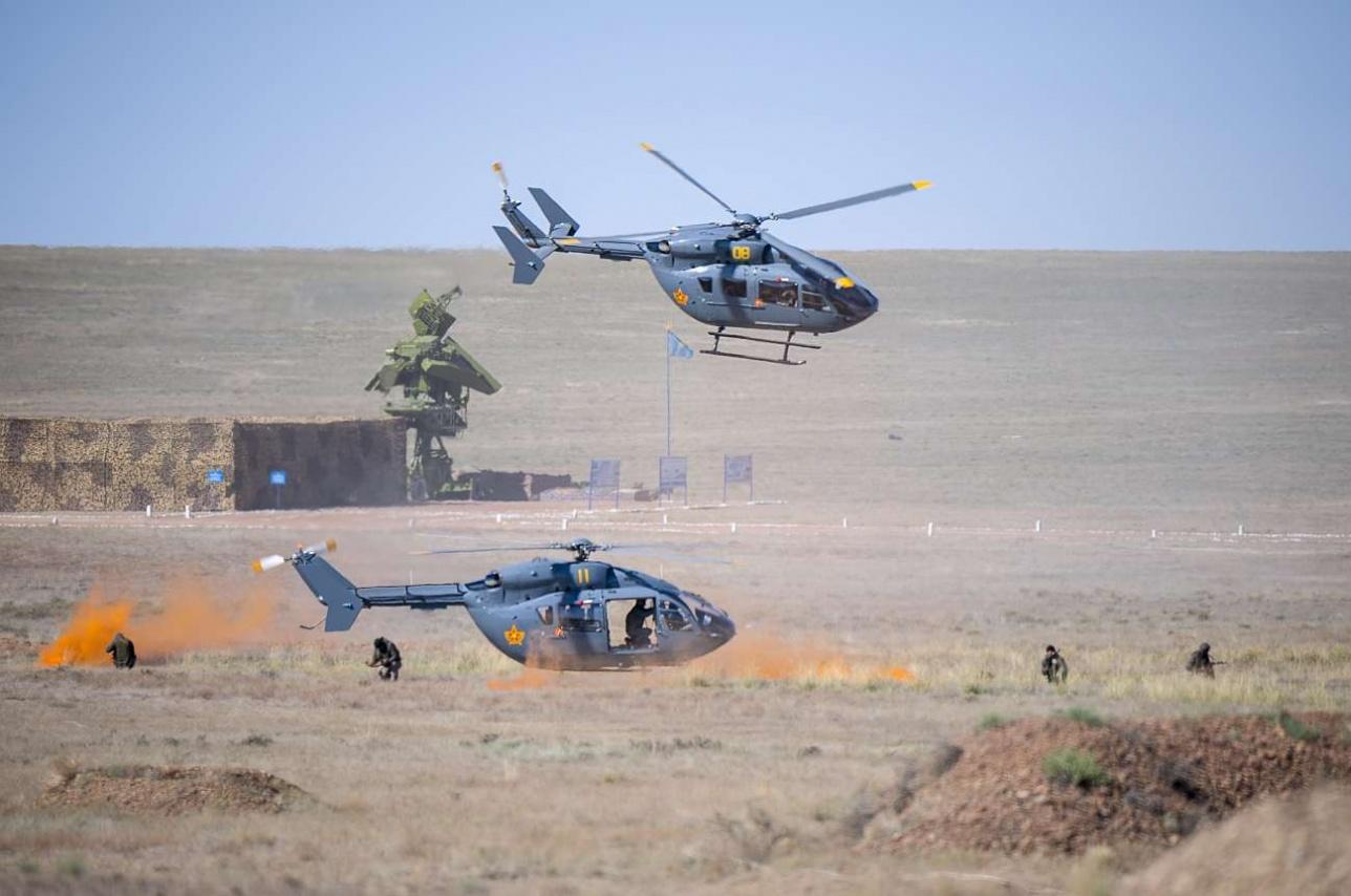 Высадка разведывательно-диверсионной группы с вертолета EC-145