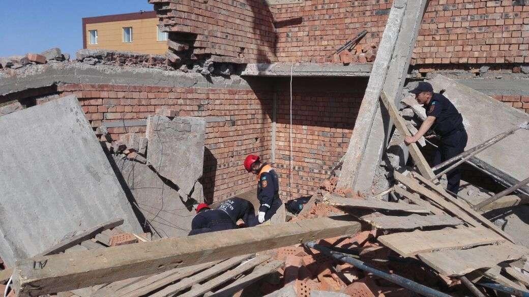 Тело третьего строителя извлекали из-под завалов несколько часов
