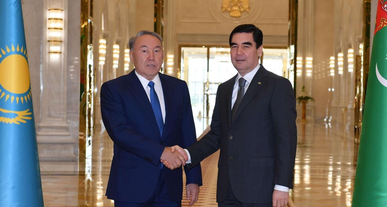 Назарбаев и Бердымухамедов встретились в Ашхабаде