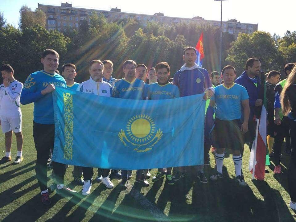 Казахстанские дипломаты участвуют в чемпионате мира по футболу среди посольств