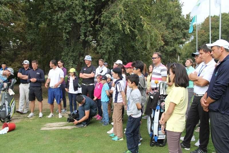 Мировые звёзды гольфа провели мастер-класс для юных казахстанцев
