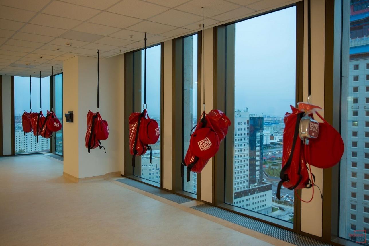 В этой комнате 2 часа можно ожидать помощи спасателей