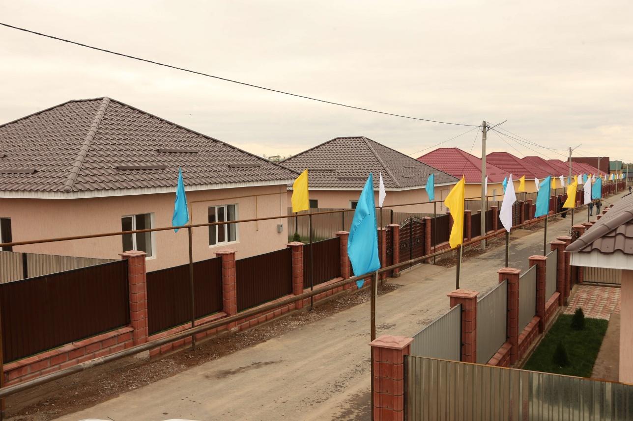 Дома для нуждающихся в Алмвтинской области построил меценат