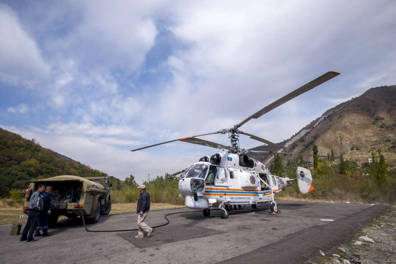 При работе в высокогорье экипаж не полностью заправляет вертолет, чтобы максимально облегчить его