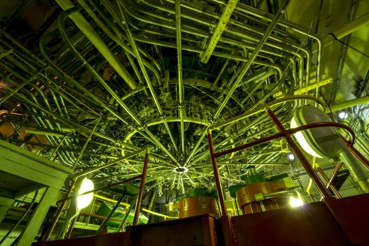 Реактор находится под землей и занимает несколько этажей