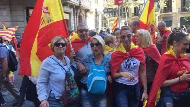 Многие надели форму национальной сборной Испании по футболу