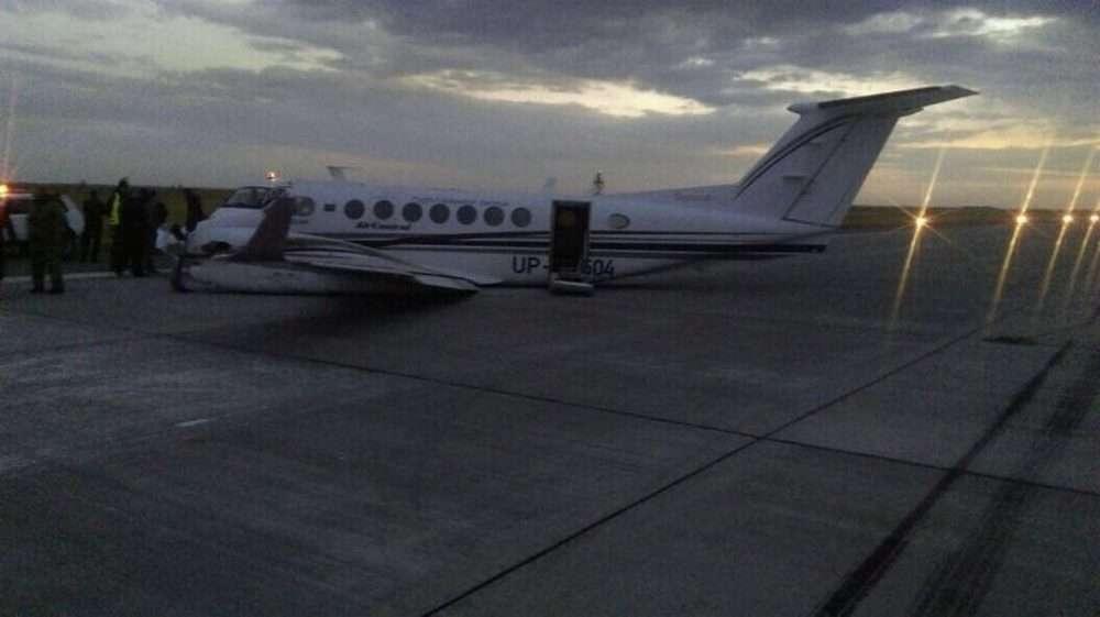 Самолёт приземлился без шасси в аэропорту Уральска