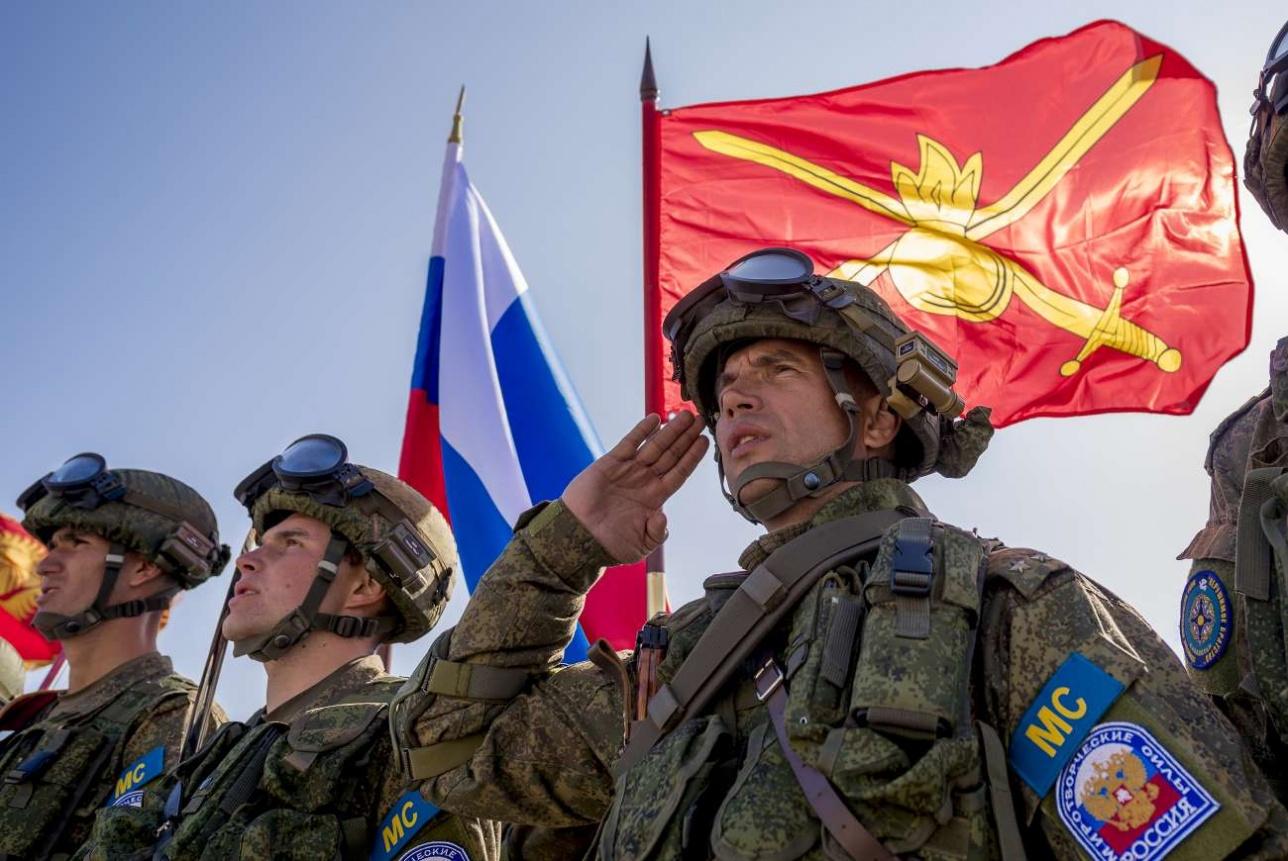 Во время исполнения национальных гимнов государств ОДКБ