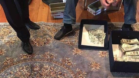 При обыске в доме Бельянинова обнаружены значительные суммы в рублях и валюте