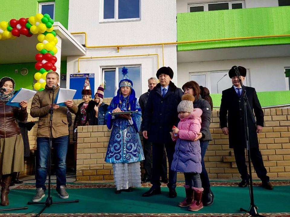 Всего квартиры получили 120 жителей региона