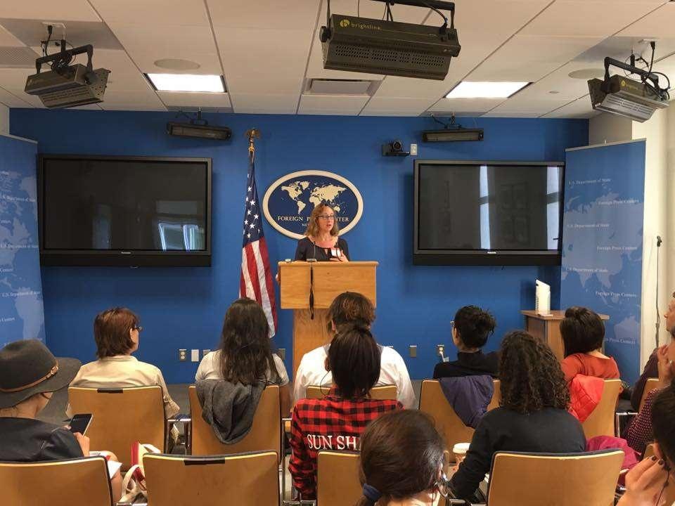Выступление Тоби Бочан перед казахстанскими журналистами