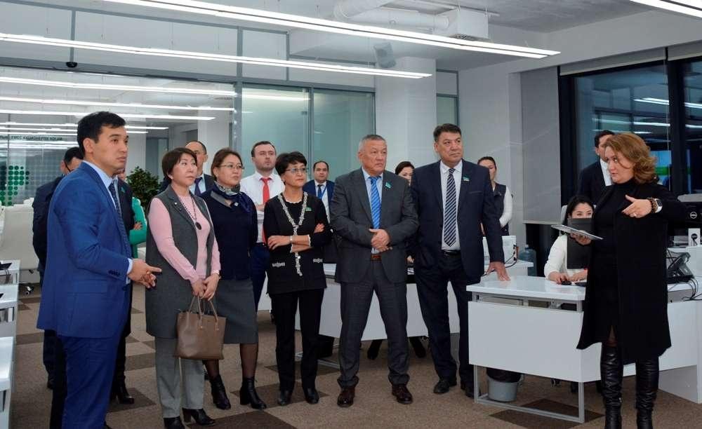 Депутаты мажилиса ознакамливаются с работой СпецЦОНа в Астане