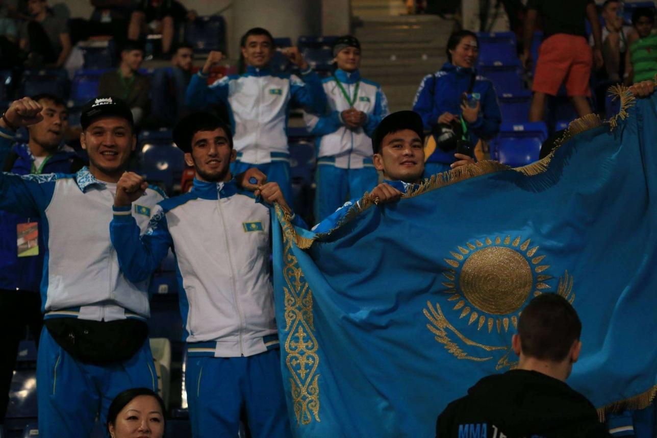 Казахстан впервые выступил на чемпионате под эгидой Международной федерации ММА