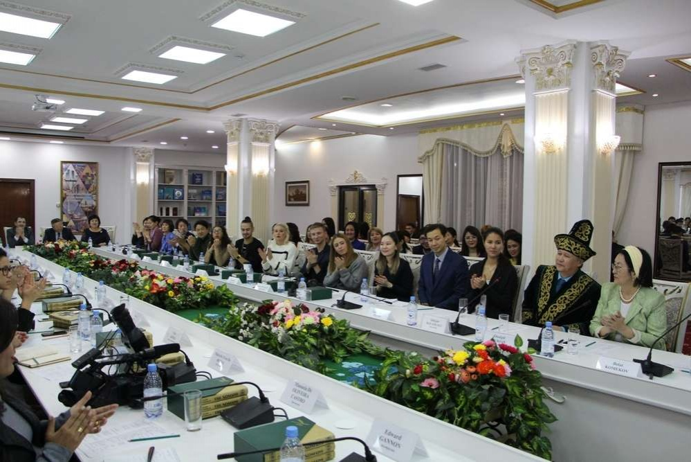 Побывали гости в Южном Казахстане, Астане и Алматы