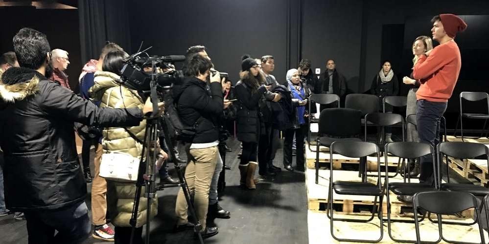 Побывали представители СМИ в театрах и на выставках
