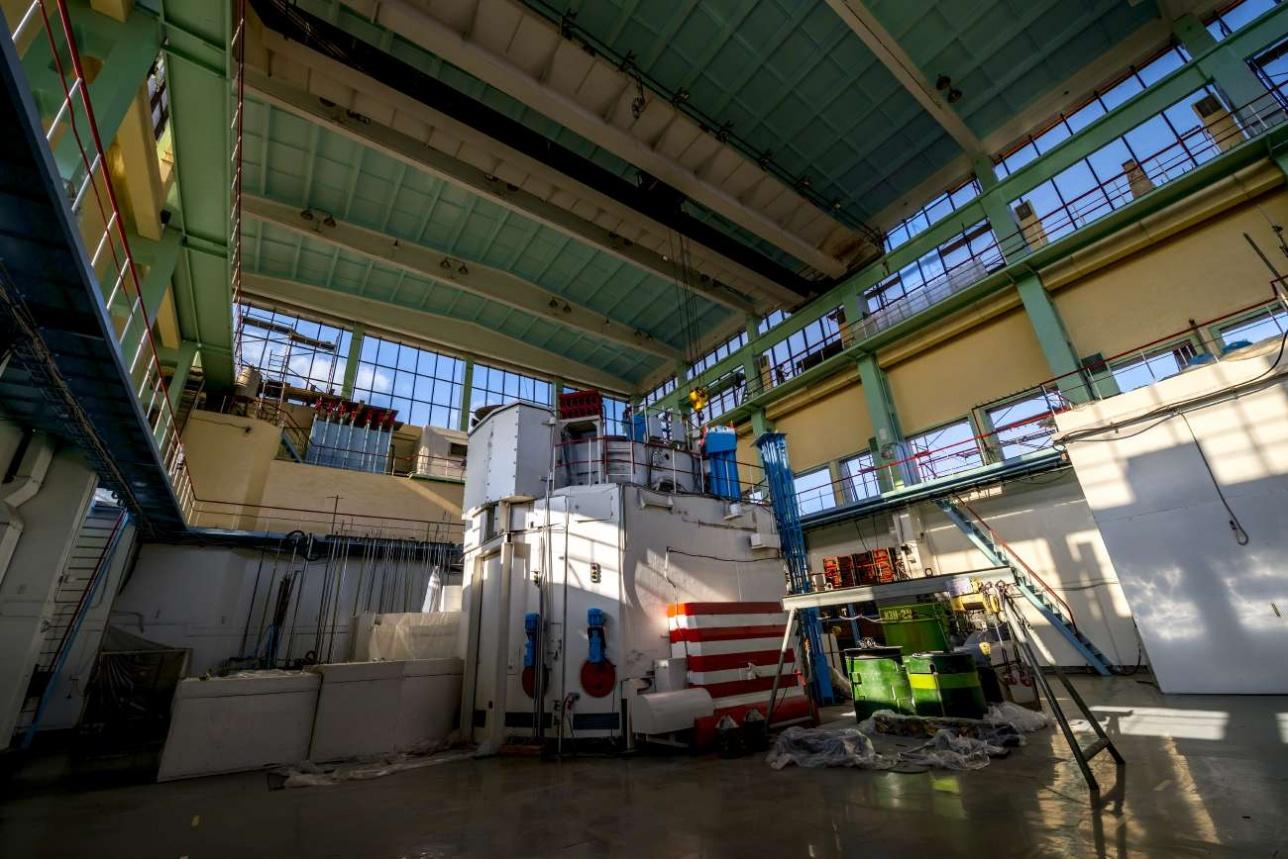 В реакторном зале